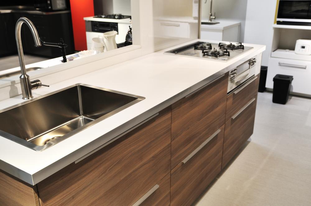 キッチンリフォーム|キッチンに洗濯機置き場が欲しい!費用相場はどのくらい?